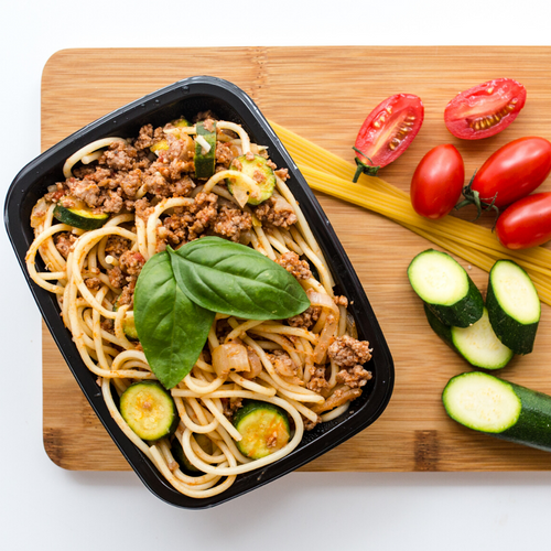 Rich beef ragu spaghetti with zucchini and Italian seasoning 300g