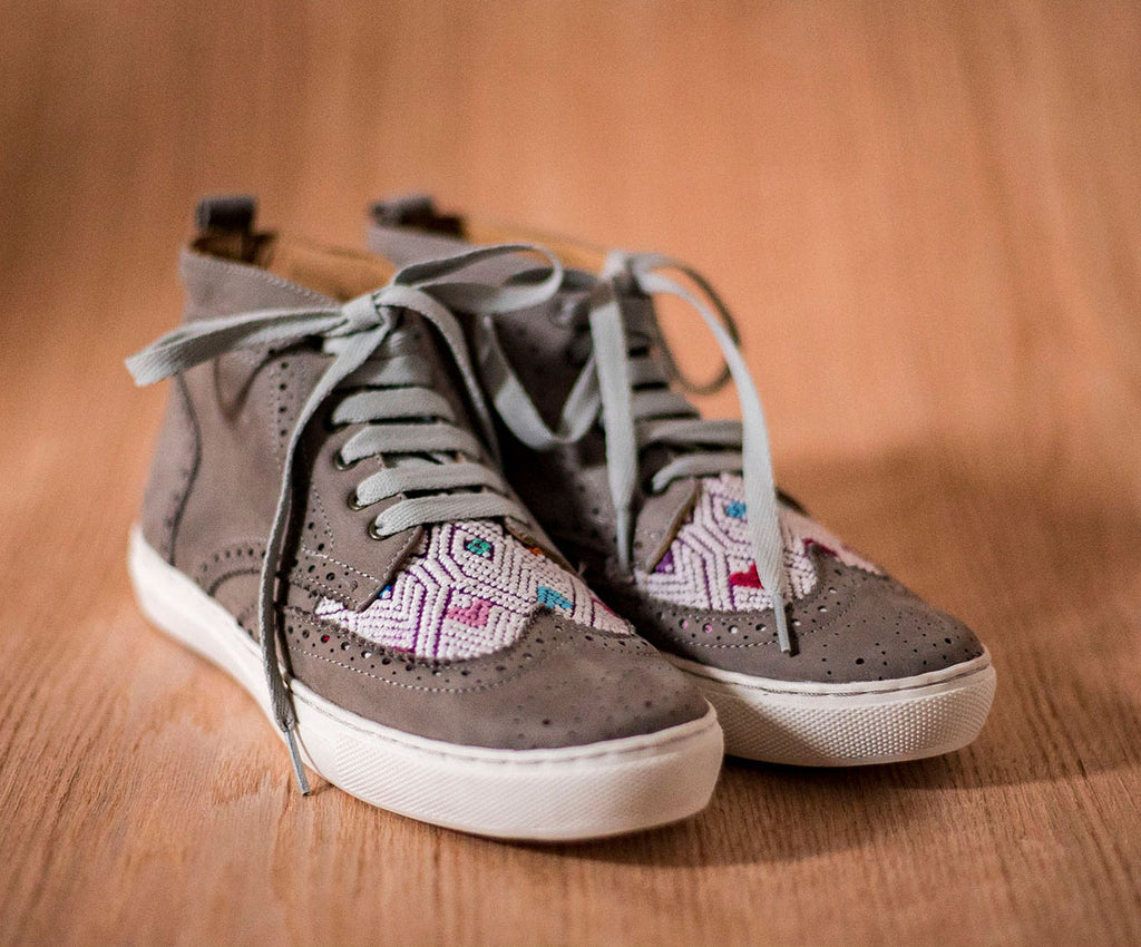 Gray leather Women's Canijas with purple and white textile - TOCO MADERA - Handcraft shoe from Mexico - Handmade shoe