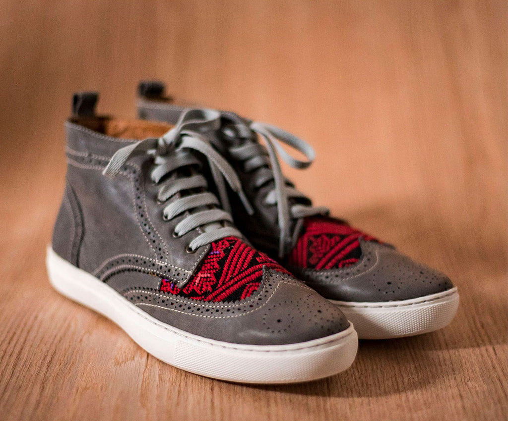 Gray leather Women's Canijas with black and red textile - TOCO MADERA - Handcraft shoe from Mexico - Handmade shoe
