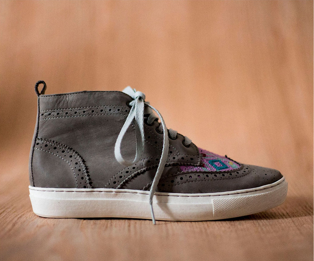 Gray Leather Women's Canijas with purple textile and sky - TOCO MADERA - Handcraft shoe from Mexico - Handmade shoe