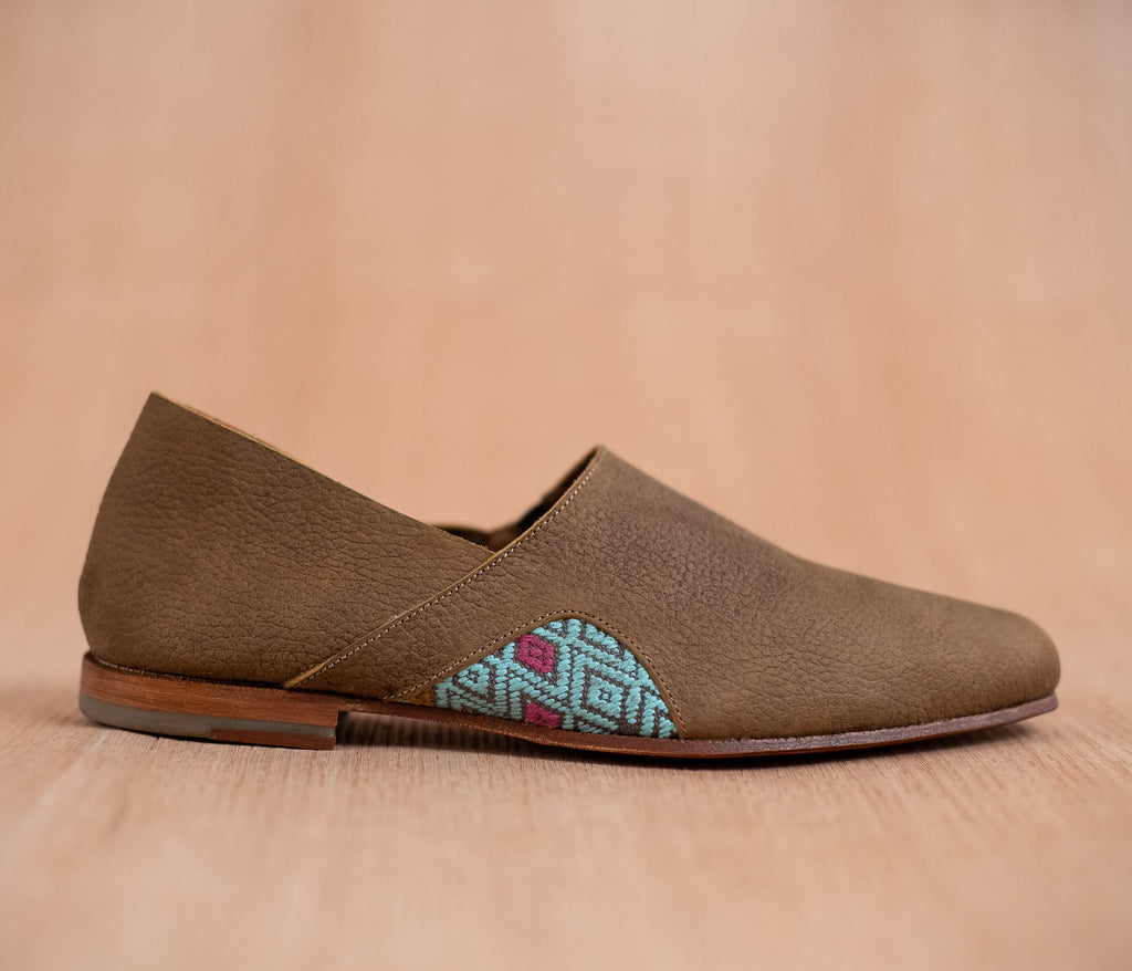 Men's brown leather slippers with sky and gray textile - TOCO MADERA - Handcraft shoe from Mexico - Handmade shoe