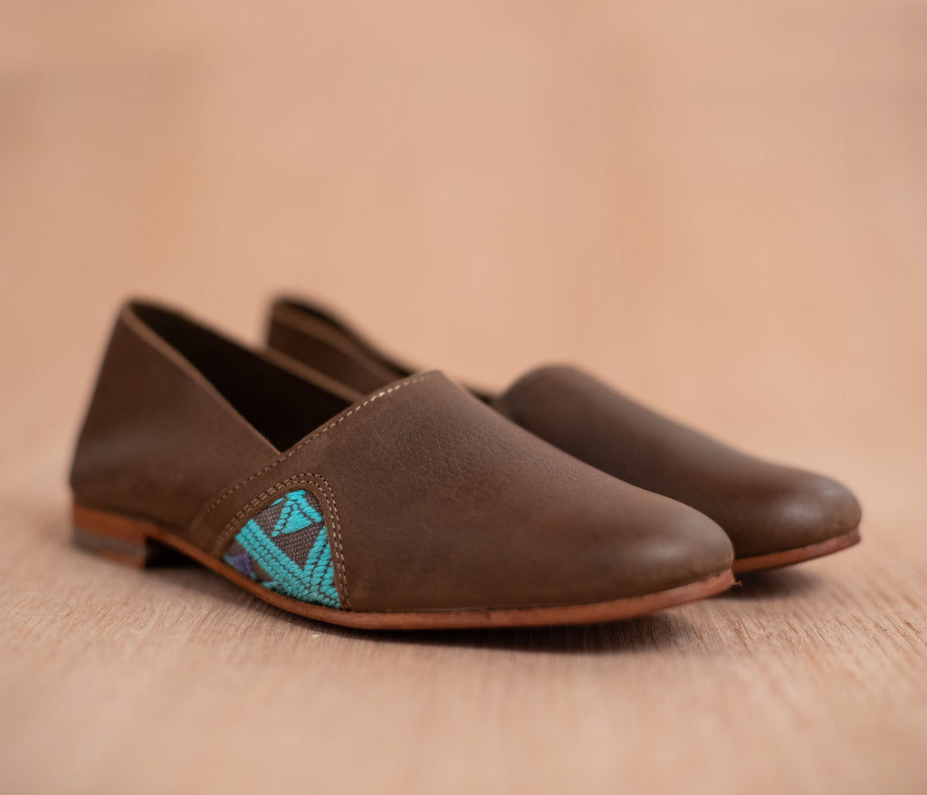 Women's brown leather slippers with turquoise and gray textile - TOCO MADERA - Handcraft shoe from Mexico - Handmade shoe
