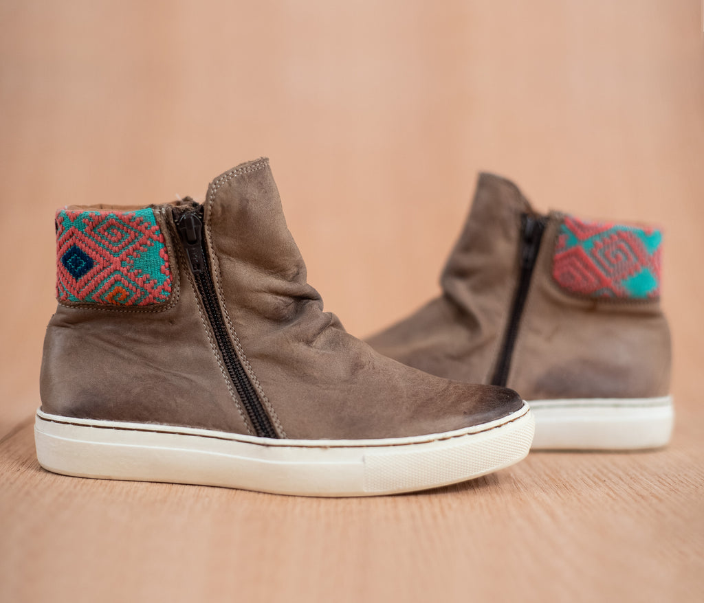 Leather back jackets with turquoise and pink textile - TOCO MADERA - Handcraft shoe from Mexico - Handmade shoe