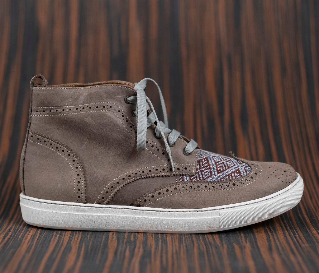 Gray leather men's canija boot with brown and blue textile - TOCO MADERA - Handcraft shoe from Mexico - Handmade shoe