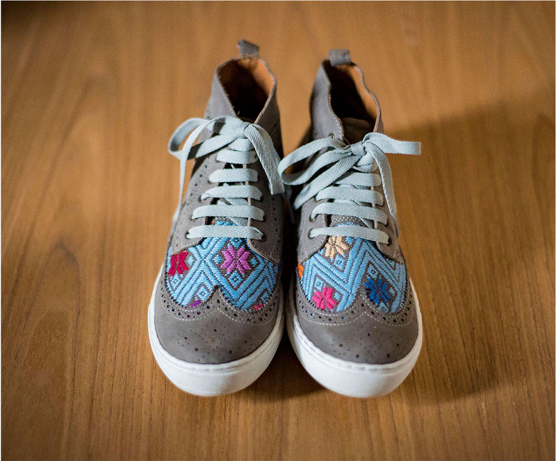 Gray leather box with gray and blue textile - TOCO MADERA - Handcraft shoe from Mexico - Handmade shoe