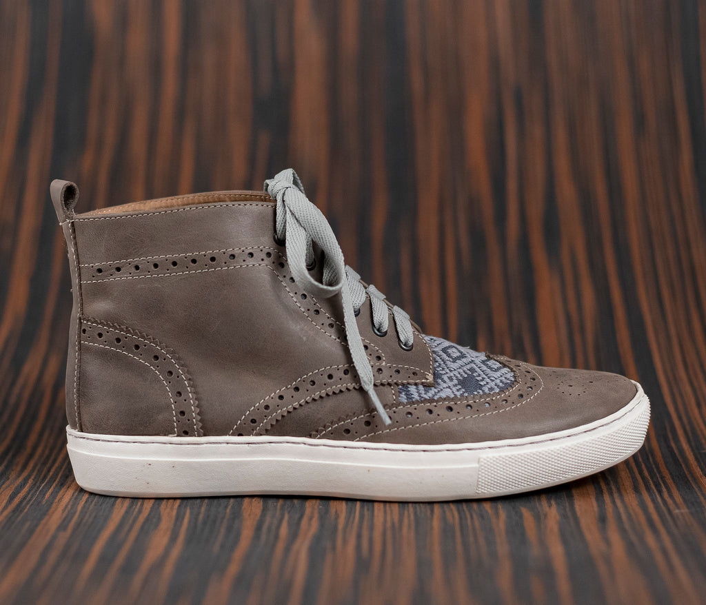 Gray leather man boot with gray and gray textile - TOCO MADERA - Handcraft shoe from Mexico - Artisan shoe