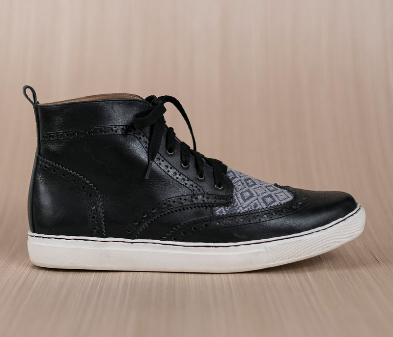 Canija boot in black leather with gray and gray textile - TOCO MADERA - Handcraft shoe from Mexico - Handmade shoe