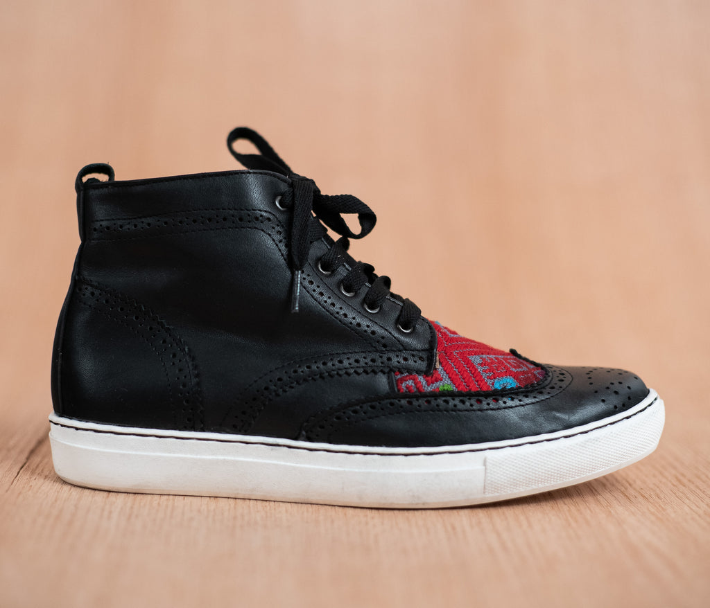 Black leather manija boot with Red and Gray textile - TOCO MADERA - Handcraft shoe from Mexico - Handmade shoe