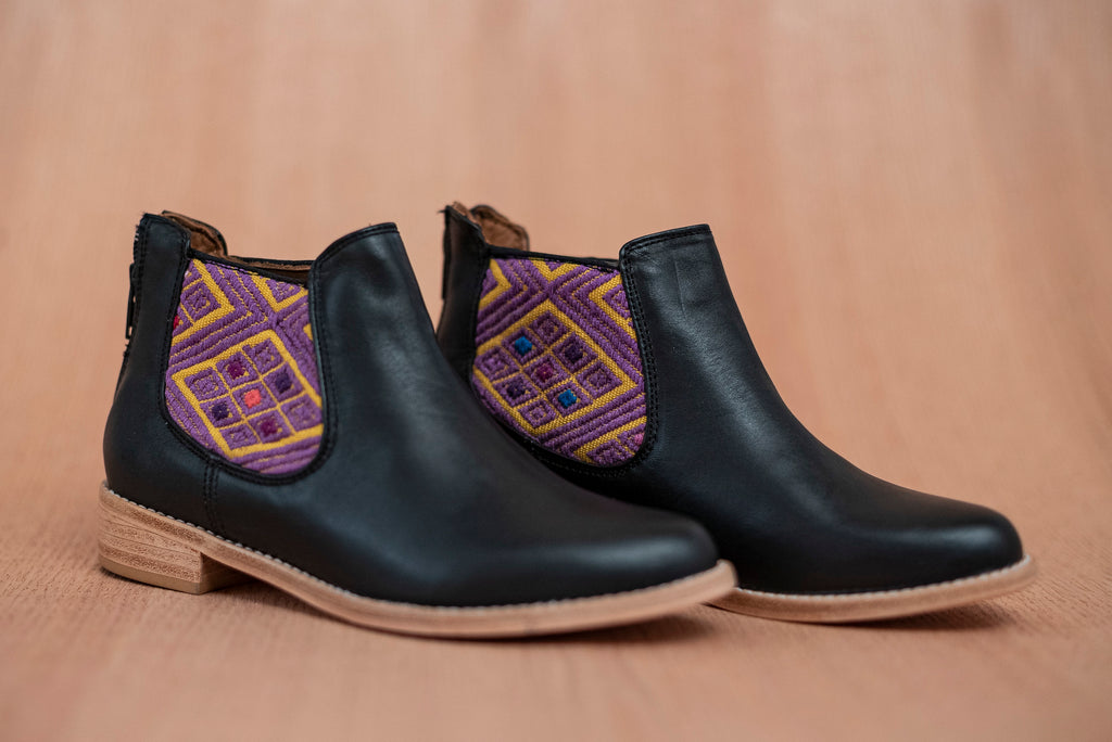 Black leather woman thunders with gold and purple textile - TOCO MADERA - Handcraft shoe from Mexico - Handmade shoe