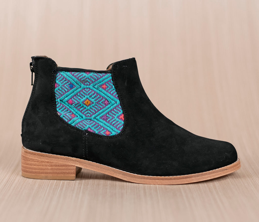 Black leather woman thunders with purple and turquoise textile - TOCO MADERA - Handcraft shoe from Mexico - Handmade shoe
