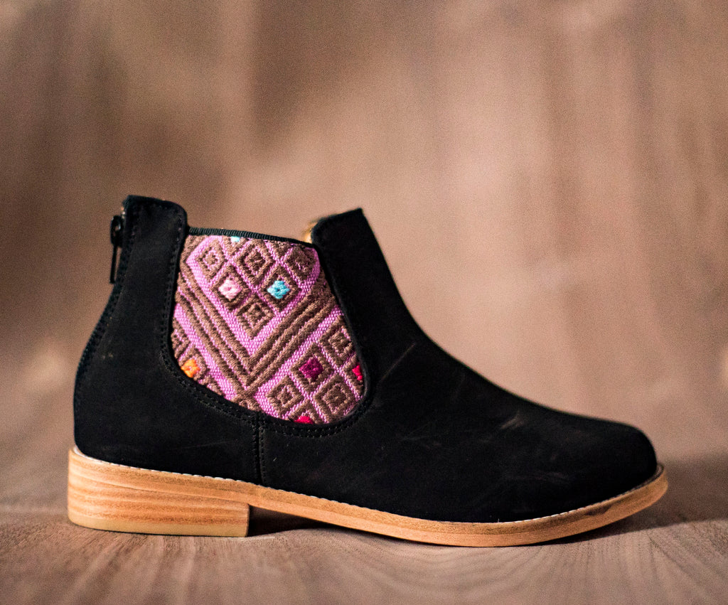 Black leather woman thunders with pink and brown textile - TOCO MADERA - Handcraft shoe from Mexico - Handmade shoe