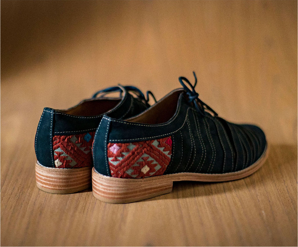 Blue leather chachareros with light blue and brown textile - TOCO MADERA - Handcraft shoe from Mexico - Handmade shoe