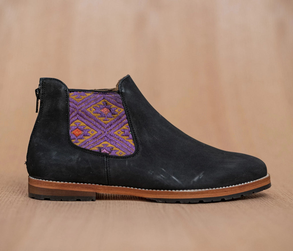 Black leather man thunders with gold and purple textile - TOCO MADERA - Handcraft shoe from Mexico - Handmade shoe