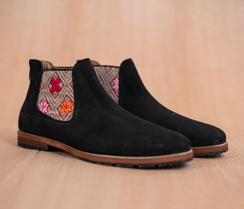 Black leather threshing machines with Red and Brown textile - TOCO MADERA - Handcraft shoe from Mexico - Handmade shoe
