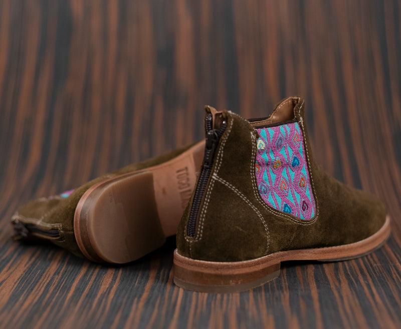 Green leather man thunders with purple and turquoise textile - TOCO MADERA - Handcraft shoe from Mexico - Handmade shoe