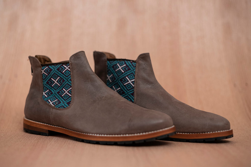 Brown leather man thundering machines with purple and blue textile - TOCO MADERA - Handcraft shoe from Mexico - Artisan shoe