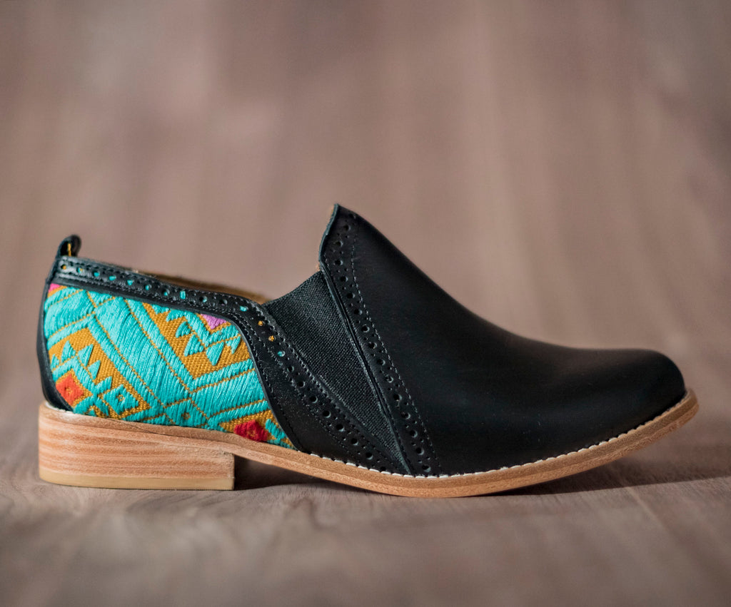 Black leather bailongo with brown and blue textile - TOCO MADERA - Handcraft shoe from Mexico - Handmade shoe