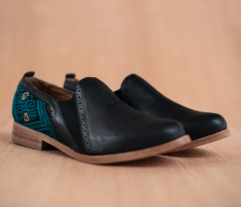 Black leather dance shoes with green and black textile - TOCO MADERA - Handcraft shoe from Mexico - Handmade shoe
