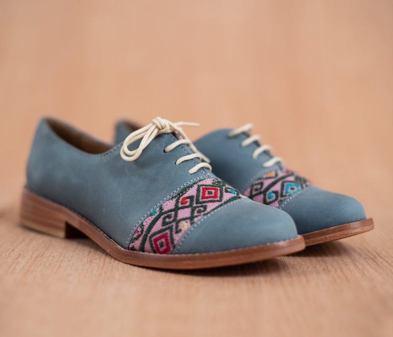 Blue leather upholstery with pink and green textile - TOCO MADERA - Handcraft shoe from Mexico - Handmade shoe