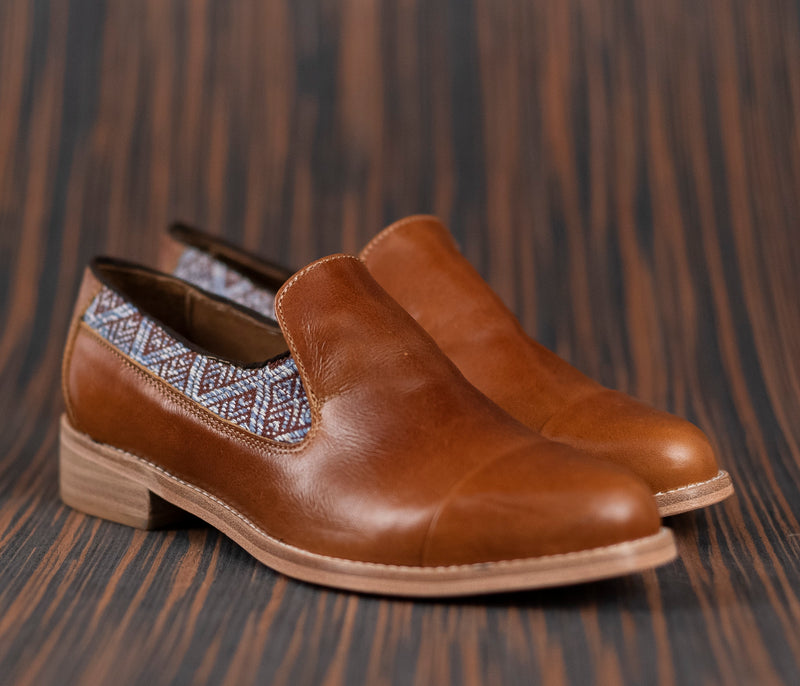 Brown leather finolis with brown and gray textile - TOCO MADERA - Handcraft shoe from Mexico - Handmade shoe