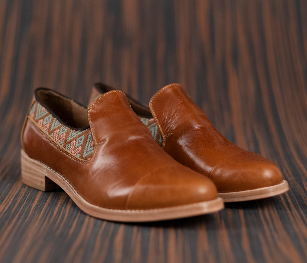 Brown leather finolis with brown and green textile - TOCO MADERA - Handcraft shoe from Mexico - Handmade shoe