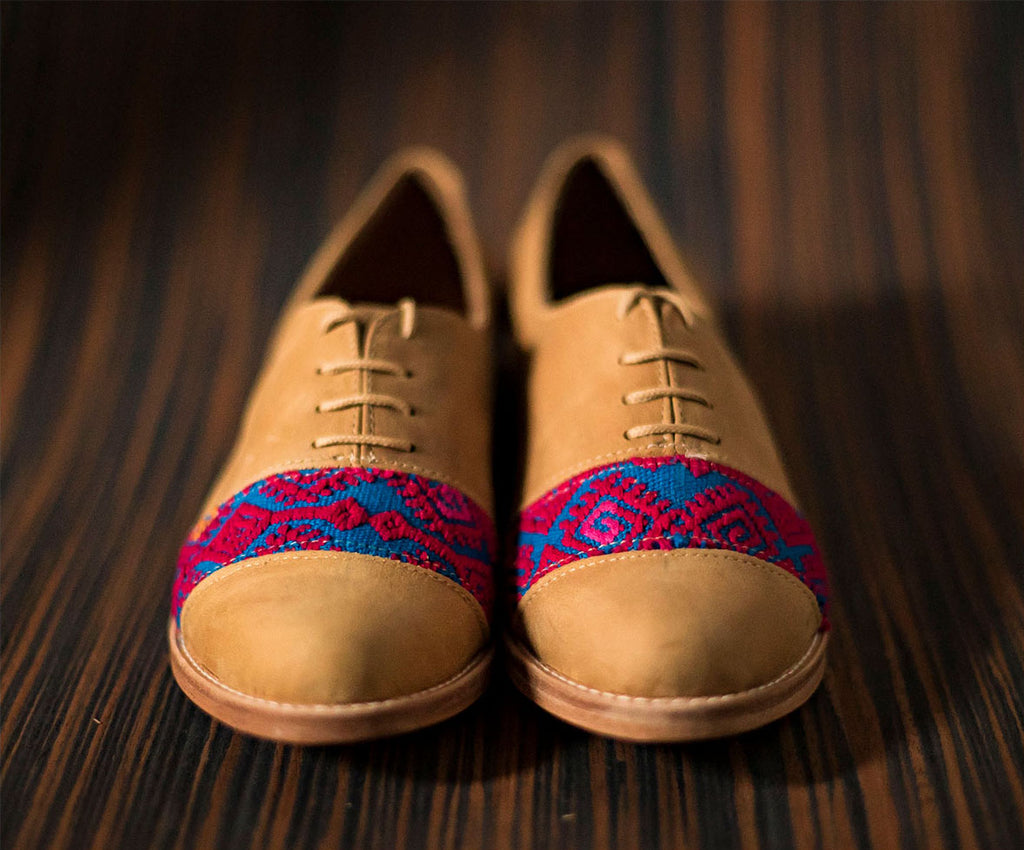 Brown leather inserts with blue and pink textile - TOCO MADERA - Handcraft shoe from Mexico - Handmade shoe