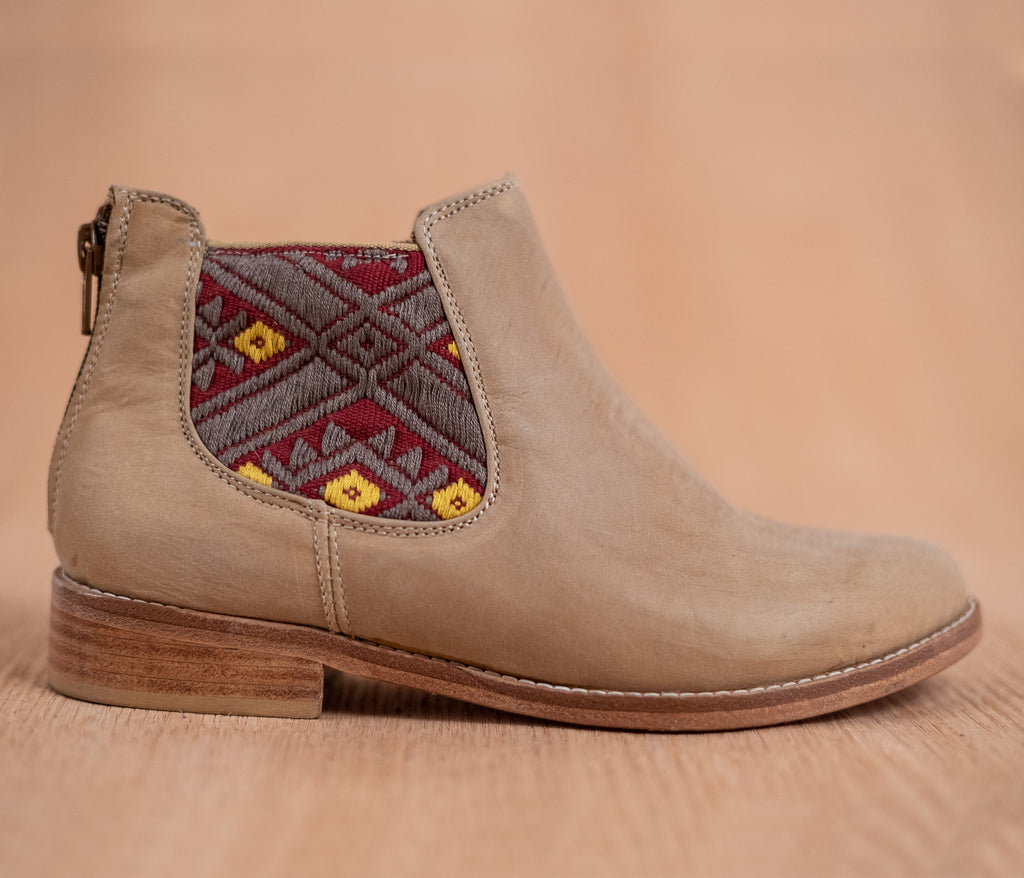 Woman leather sawmills Honey with Red and Gray textile - TOCO MADERA - Handcraft shoe from Mexico - Handmade shoe