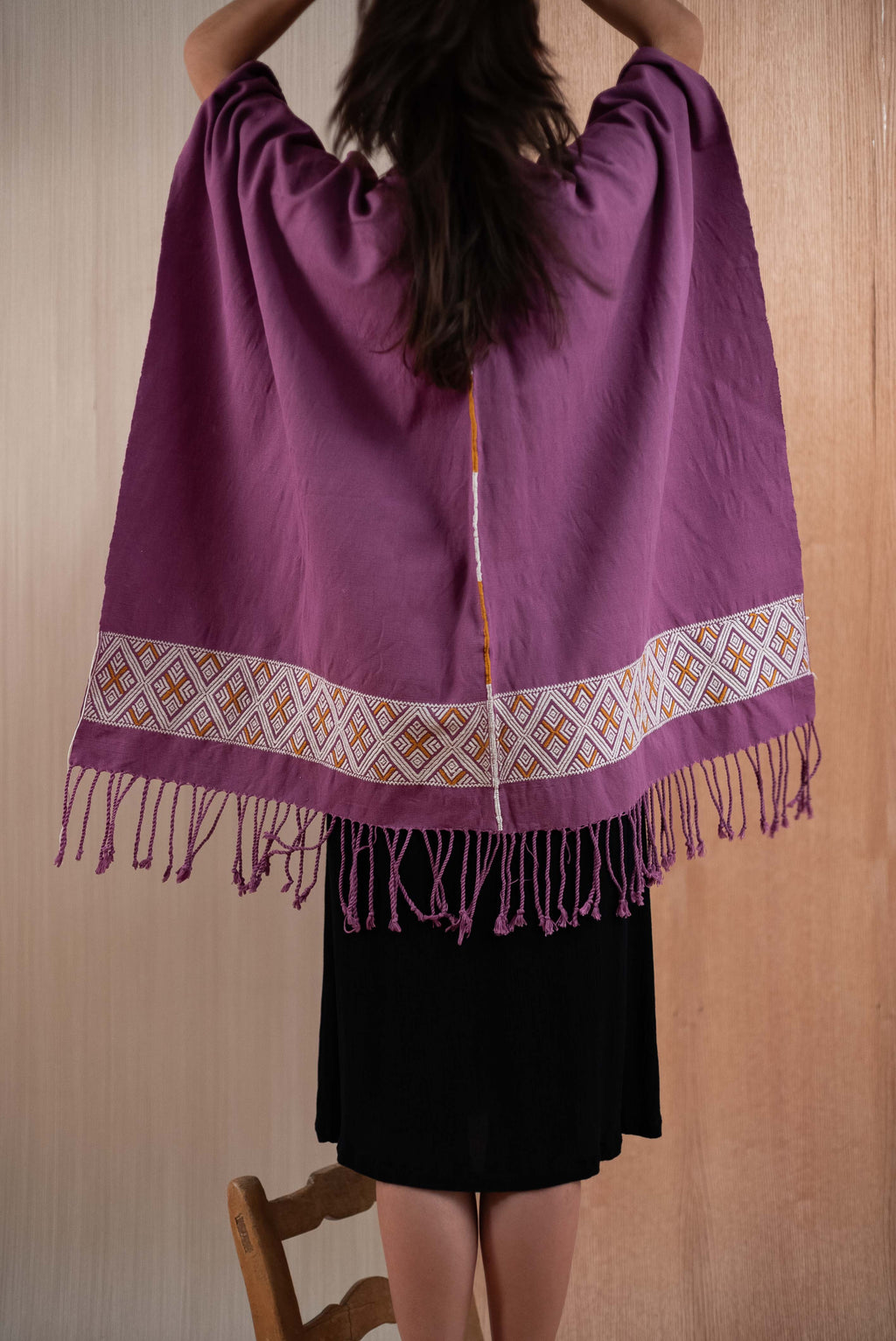 Shawl with purple Chiapas loom - TOCO MADERA - Handcraft shoe from Mexico - Handmade shoe