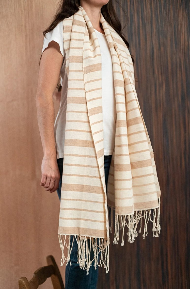 Brown beige Chiapas scarf / poncho with loom - TOCO MADERA - Handcraft shoe from Mexico - Handmade shoe