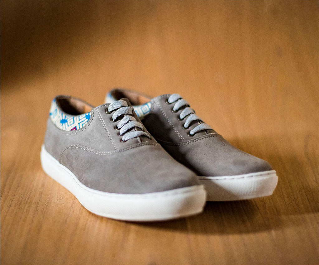 Very very gray leather man with Beige Blue textile - TOCO WOOD - Handcraft shoe from Mexico - Handmade shoe