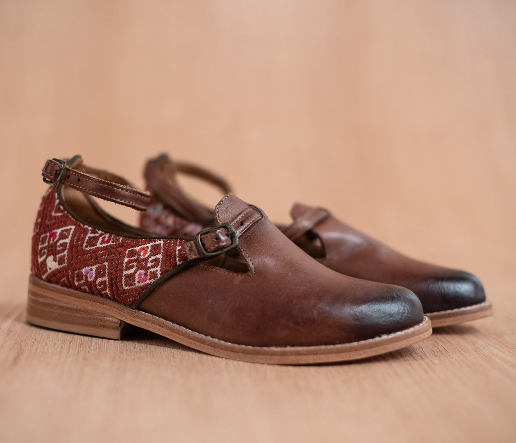 ESCUINCLAS brown leather and cream and brown textile - TOCO MADERA - Handcraft shoe from Mexico - Handmade shoe