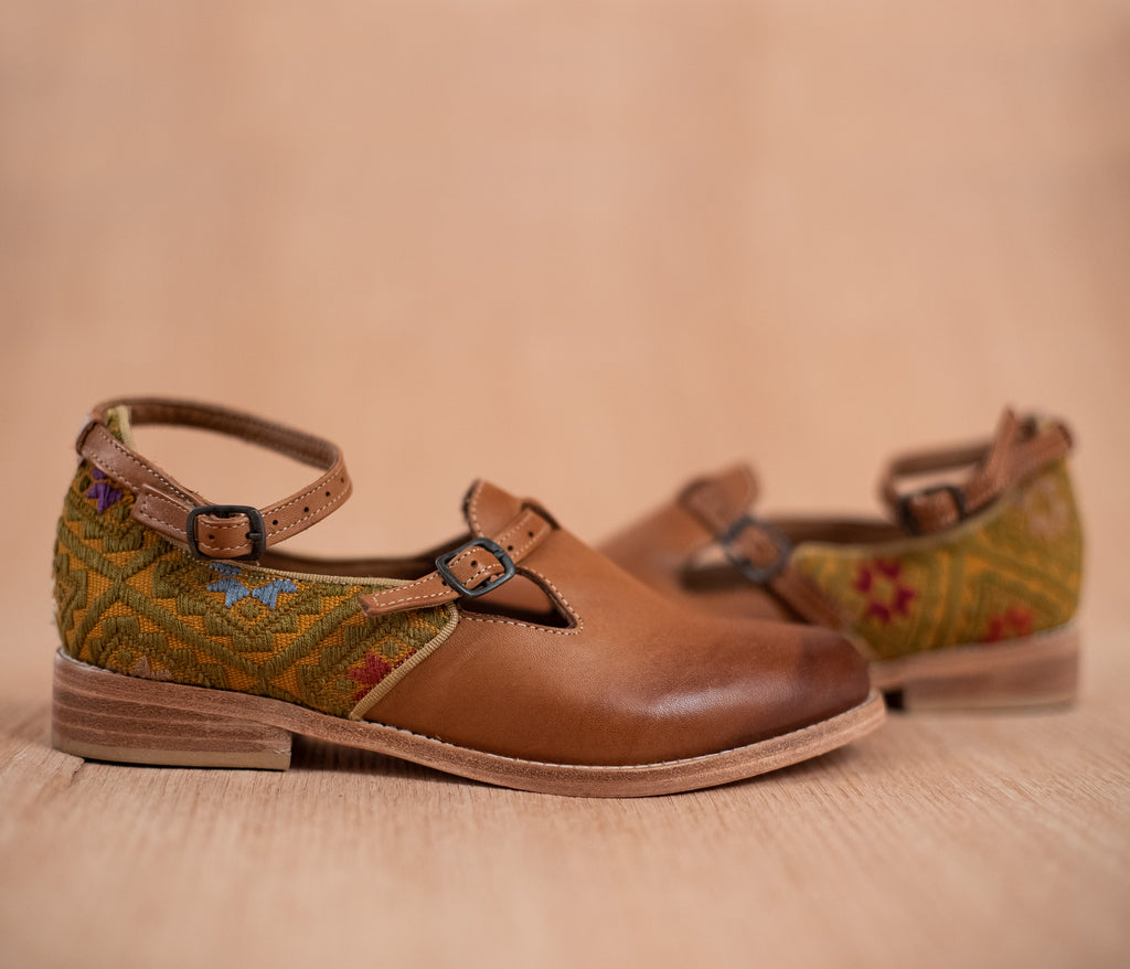 ESCUINCLAS brown leather and yellow and green textile - TOCO MADERA - Handcraft shoe from Mexico - Handmade shoe