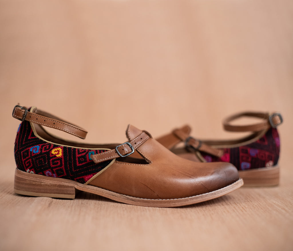 ESCUINCLAS brown leather and red and black textile - TOCO MADERA - Handcraft shoe from Mexico - Handmade shoe