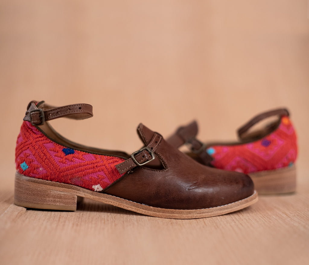 ESCUINCLAS brown leather and pink and red textile - TOCO MADERA - Handcraft shoe from Mexico - Handmade shoe