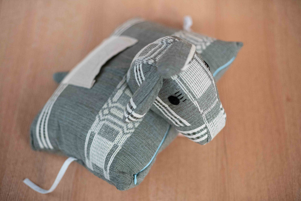 Gray donkey animal - TOCO MADERA - Handcraft shoe from Mexico - Handmade shoe