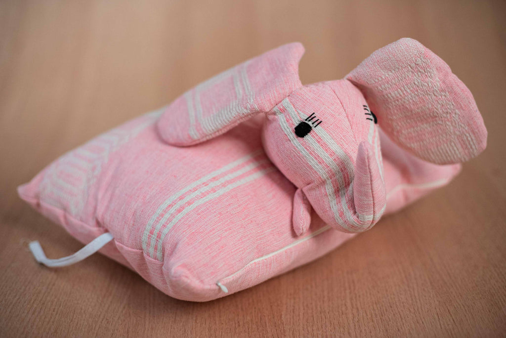 Pink elephant animal - TOCO MADERA - Handcraft shoe from Mexico - Handmade shoe