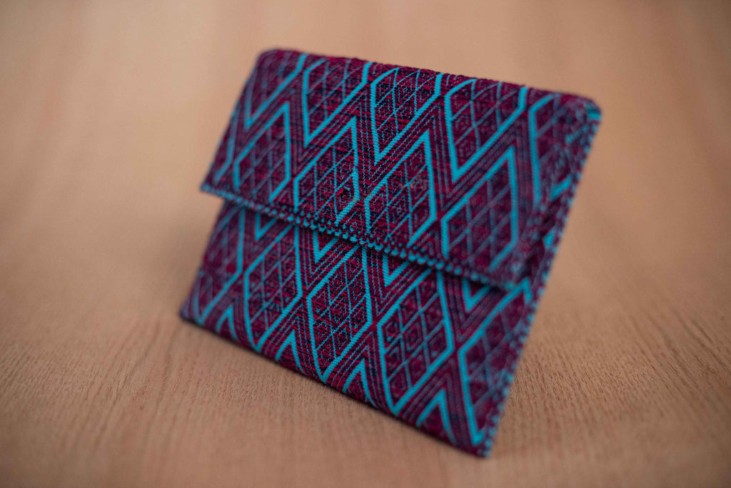 Clutch textil color azul morado - TOCO MADERA - Handcraft shoe from Mexico - Zapato artesanal