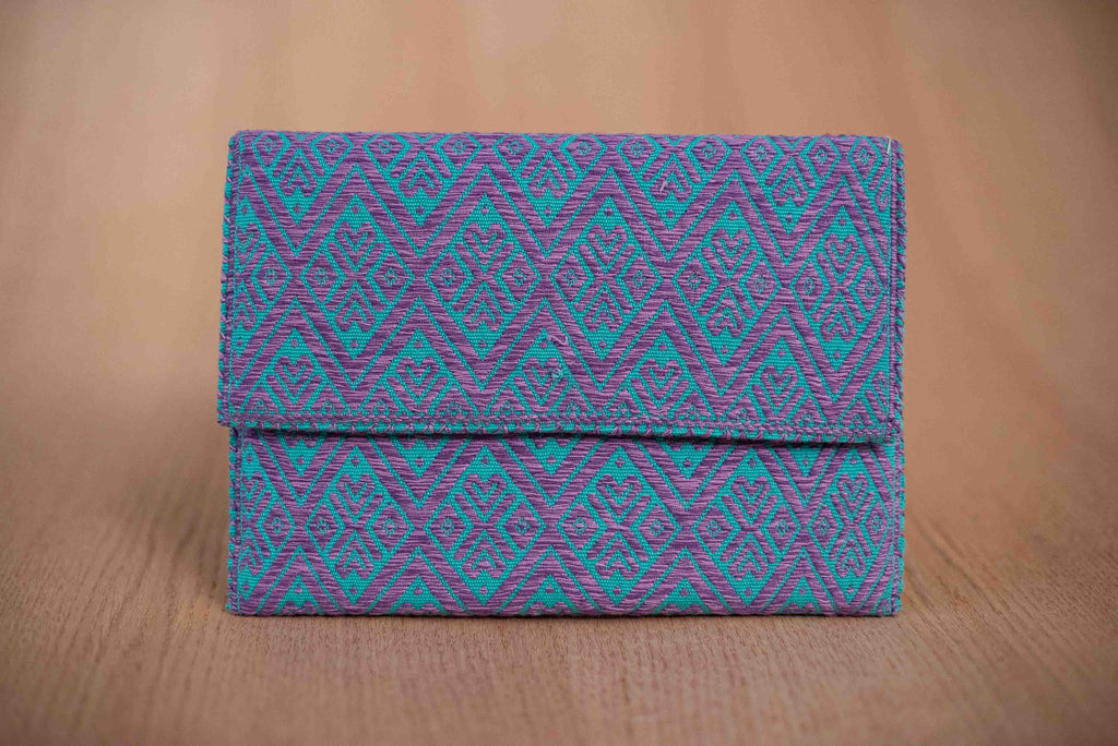 Clutch textil color cielo morado - TOCO MADERA - Handcraft shoe from Mexico - Zapato artesanal