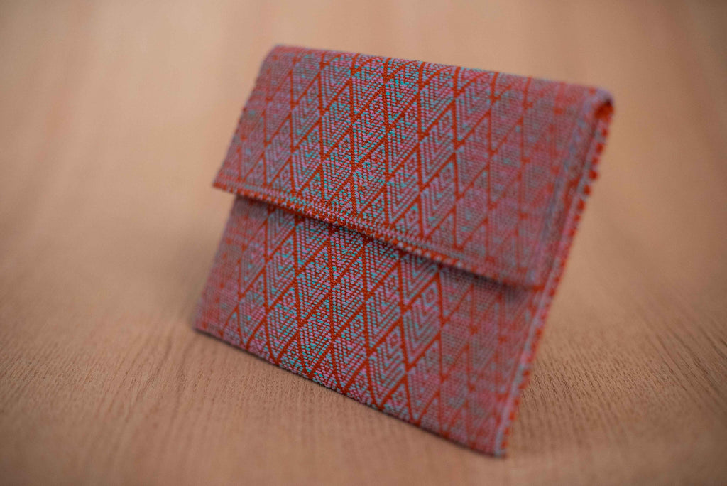 Clutch textil color naranja con azul - TOCO MADERA - Handcraft shoe from Mexico - Zapato artesanal