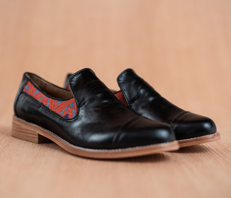 Black leather finolis with gray and orange textile - TOCO MADERA - Handcraft shoe from Mexico - Handmade shoe