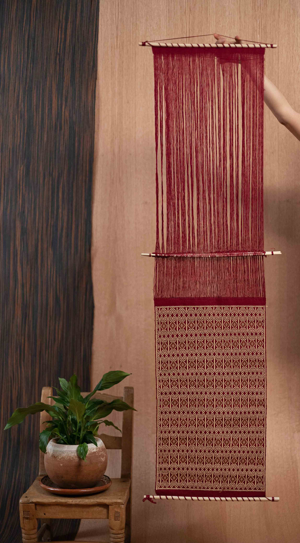 Cream red wall loom - TOCO MADERA - Handcraft shoe from Mexico - Handmade shoe