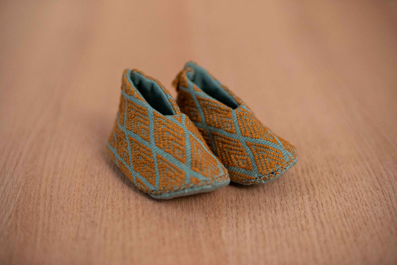 Baby blue fabric baby shoes - TOCO MADERA - Handcraft shoe from Mexico - Handmade shoe