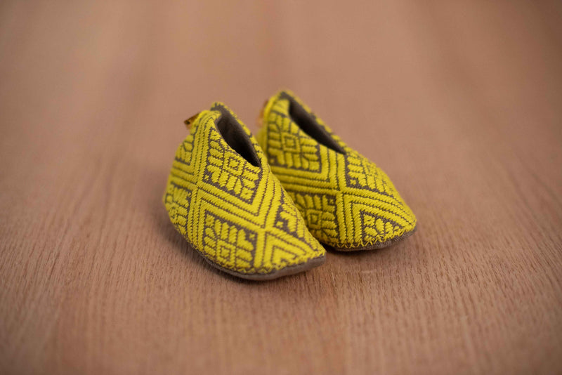 Baby green fabric baby shoes - TOCO MADERA - Handcraft shoe from Mexico - Handmade shoe