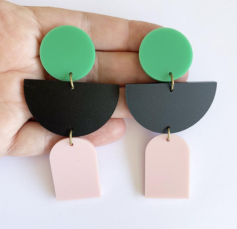 Ear Hangings Green/Pink/Black