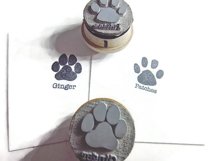 Paw Print Rubber Stamp - Dog paw Cat paw with personalized name - Best Gift for Fur Parents - Card Signing - New Packaging