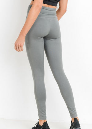 Everyday soft leggings available at L.E & CO. Boutique an o line clothing store for women based out of Troy,Michigan