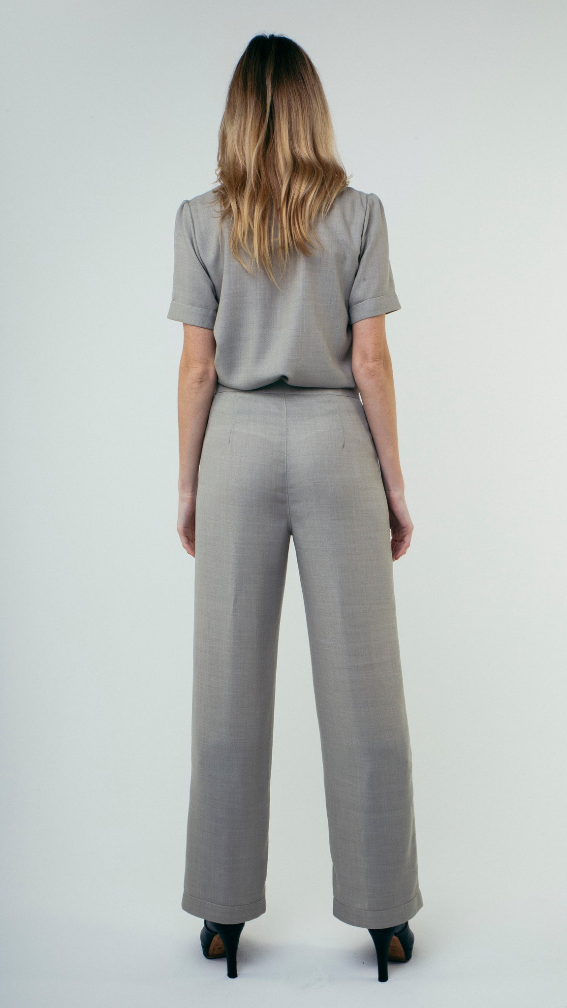 Straight Cut Wool Trousers with Front Pockets Grey