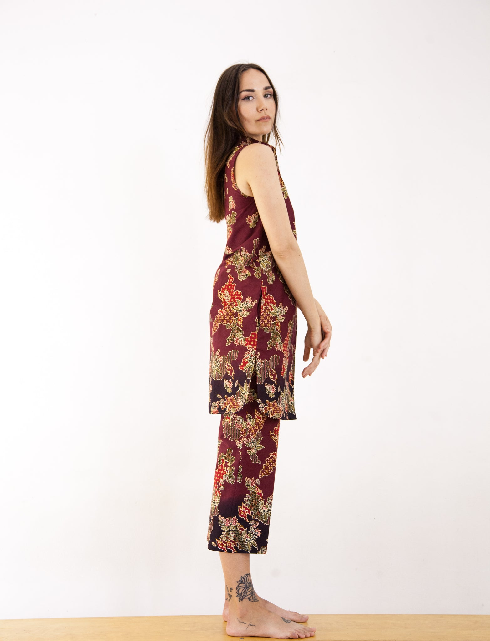 Red Truntum Cropped Trousers