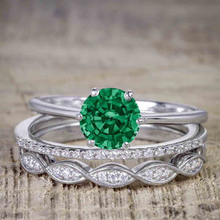 1.50 Carat Round cut Emerald and Diamond Solitaire Trio Wedding Bridal Ring Set in White Gold