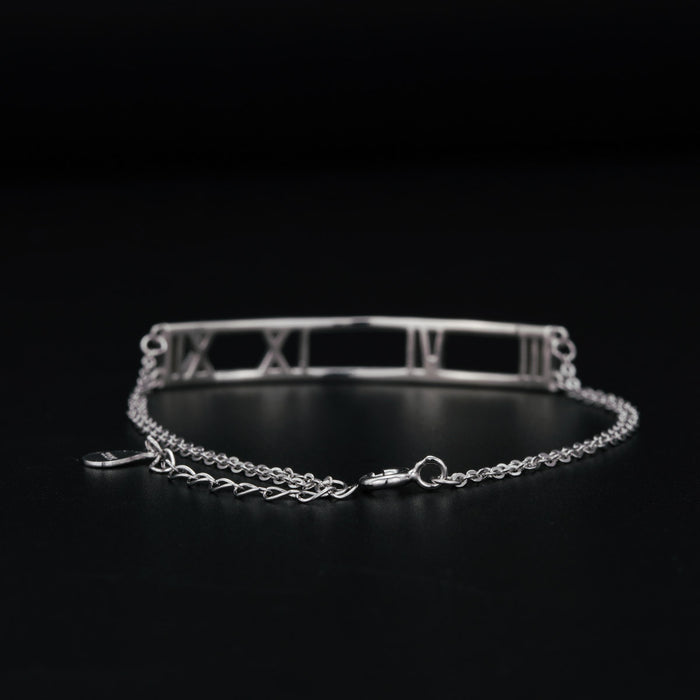 Roman Numerals Design 0.50 Carat Round Cut Diamond Link Bracelet in White Gold